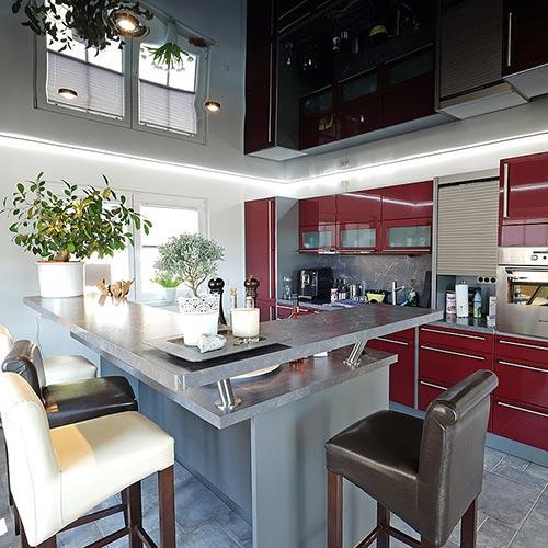 PLAMECO Küchendecke renovieren mit Lackspanndecke und LED