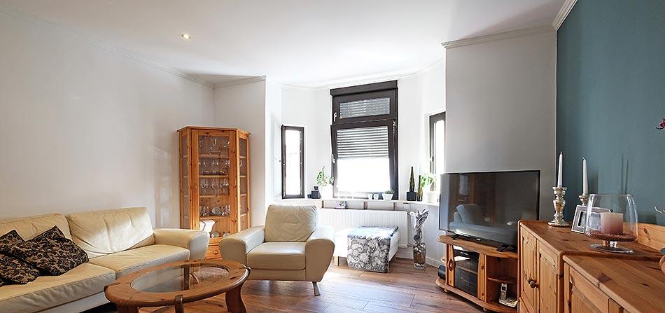 Wohnzimmerdecke renoviert mit PLAMECO-Decke von PLAMECO-Siegen Michael Bär