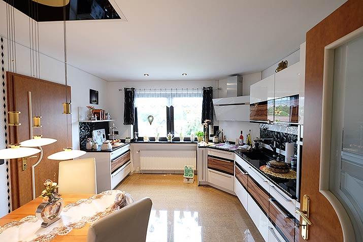 Küchendecke in Siegen-Meiswinkel - passend zur neuen Küche gestaltet.
