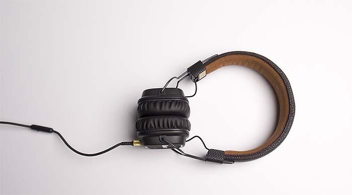 Akustik verbessern mit PLAMECO-Akustikdecke