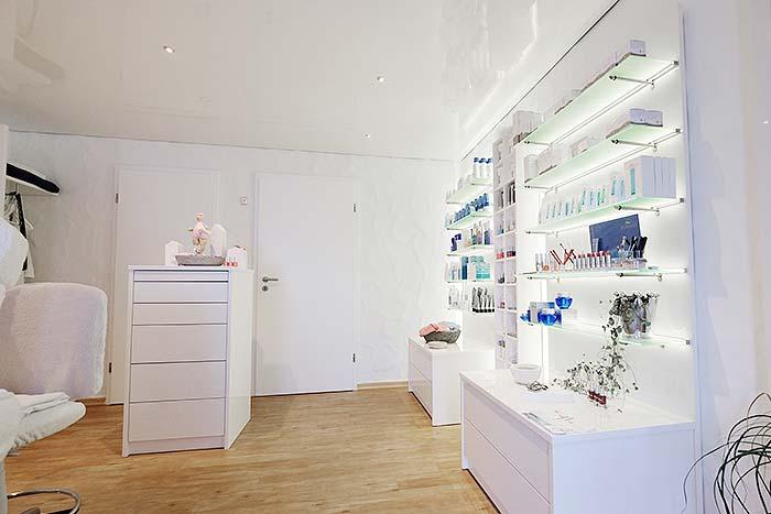 Decke im Kosmetikstudio bei Maria Manderbach in Wilnsdorf