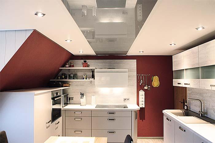 Küchendecke renovieren: PLAMECO Küchendecke in Siegen-Kaan-Marienborn mit LED-Beleuchtung