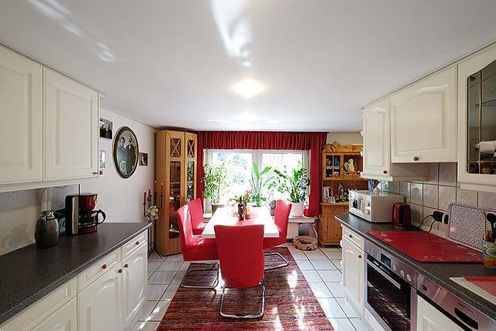 Die Küchendecke nach der Renovierung mit PLAMECO